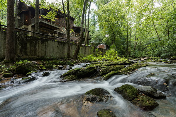 Stream On! is an incredible Wears Valley Cabin