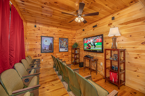 A theater room in a rental cabin