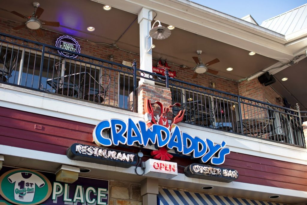 crawdaddys gatlinburg upstairs patio
